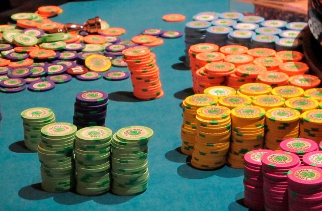 US Casinos Push for Cashless Gambling Payments, Citing Virus